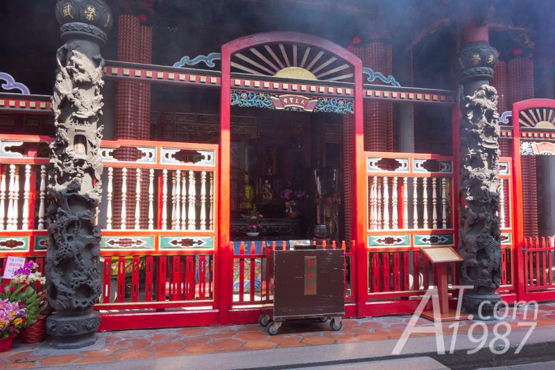 Longshan Temple – Rear Hall