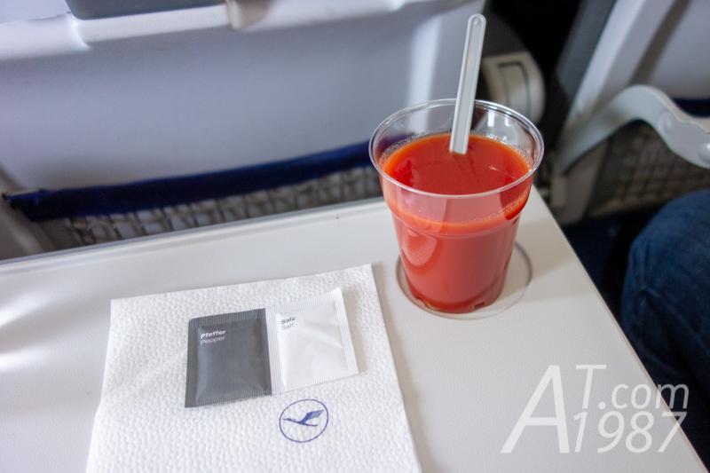 Lufthansa Airbus A321 – Tomato Juice