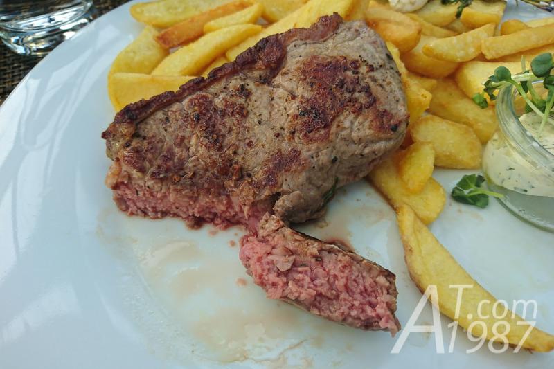 Mövenpick Restaurant Zur Historischen Mühle – Black Angus Roast Beef